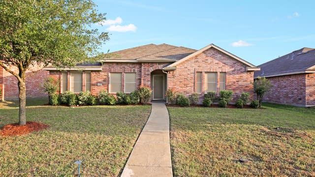 Photo 1 of 26 - 1323 Kentucky Ave, Lancaster, TX 75134