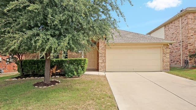 Photo 1 of 27 - 436 Mystic River Trl, Fort Worth, TX 76131