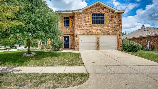 Photo 1 of 28 - 4006 Collin Ct, Heartland, TX 75126
