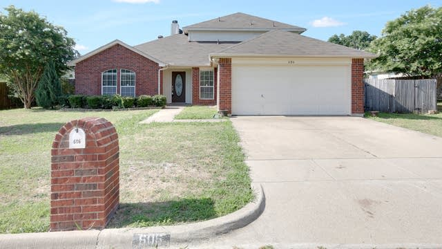 Photo 1 of 48 - 606 Rolling Hills Dr, Aledo, TX 76008