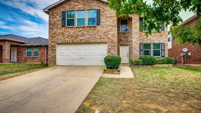 Photo 1 of 32 - 3411 Lipizzan Dr, Denton, TX 76210