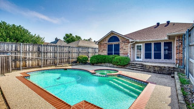 Photo 1 of 27 - 419 Graham Ln, Wylie, TX 75098