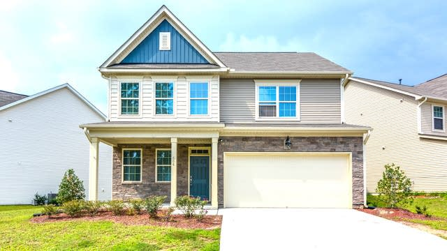 Photo 1 of 17 - 604 Lavenham Ln, Fuquay Varina, NC 27526