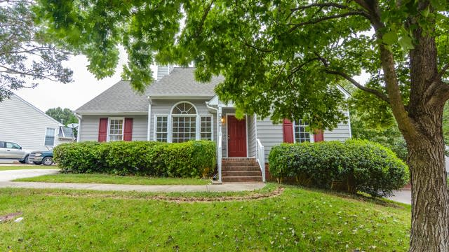 Photo 1 of 16 - 2400 Pepperfield Dr, Raleigh, NC 27604