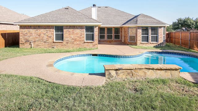 Photo 1 of 25 - 201 Cabotwood Trl, Mansfield, TX 76063