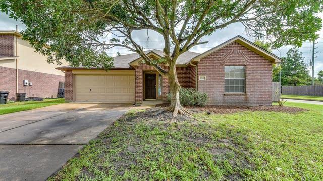Photo 1 of 20 - 23203 S Waterlake Dr, Richmond, TX 77406