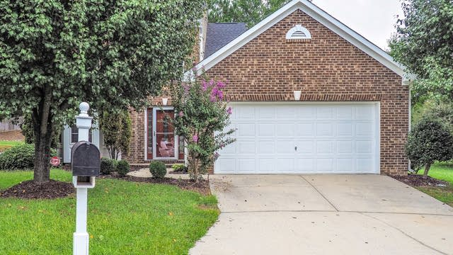 Photo 1 of 25 - 217 Kindlewood Dr, Durham, NC 27703