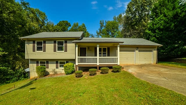 Photo 1 of 14 - 1709 George Cir, Lawrenceville, GA 30043