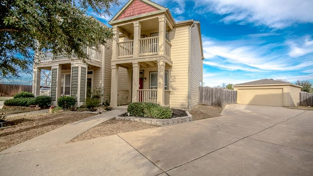 Photo 1 of 34 - 10749 Traymore Dr, Fort Worth, TX 76244