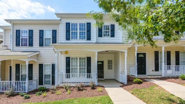 Photo 1 of 18 - 212 Sugar Maple Ave, Wake Forest, NC 27587