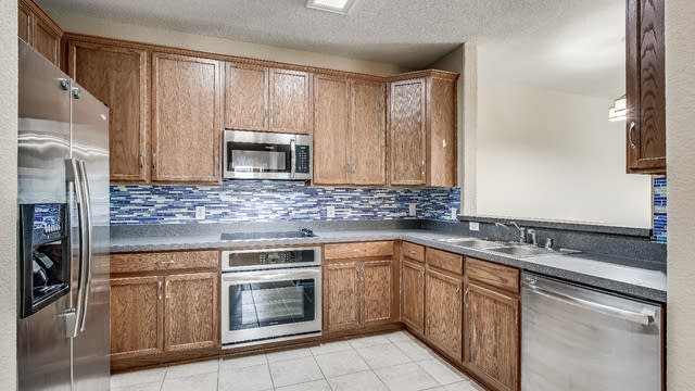Photo 1 of 29 - 184 Leonard St, Lewisville, TX 75057