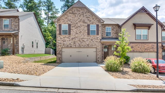 Photo 1 of 24 - 2709 Cooper Brook Dr, Snellville, GA 30078