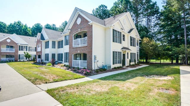 Photo 1 of 21 - 1324 Kudrow Ln, Morrisville, NC 27560