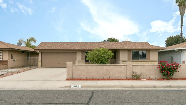 Photo 1 of 10 - 2888 Rafferty Rd, Hemet, CA 92545