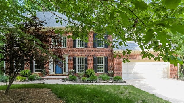 Photo 1 of 25 - 119 Spring Hollow Ln, Cary, NC 27518