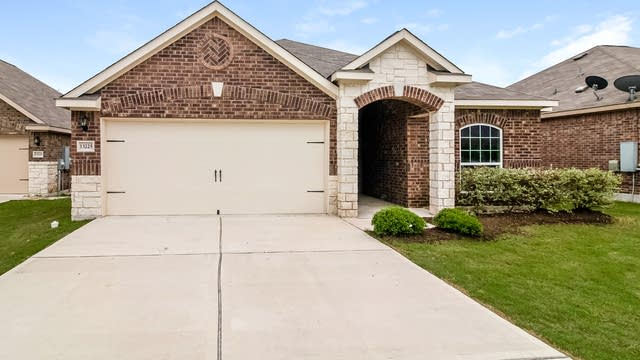 Photo 1 of 24 - 13225 Cabinet Dr, Manor, TX 78653