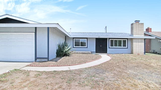 Photo 1 of 17 - 2804 9th St, Rialto, CA 92376