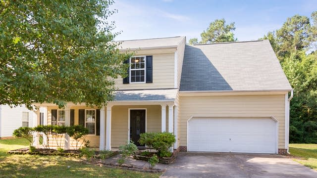 Photo 1 of 18 - 3912 Toyon Dr, Raleigh, NC 27616