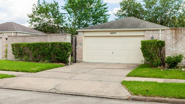 Photo 1 of 17 - 16207 Indian Mill Dr, Houston, TX 77082