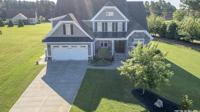 Photo 1 of 30 - 10 Princeton Manor Dr, Youngsville, NC 27596