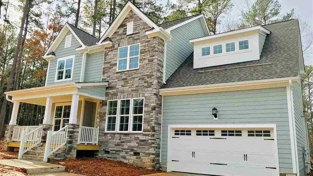 Photo 1 of 16 - 10001 Leesville Grove Dr, Raleigh, NC 27613