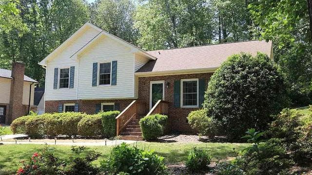 Photo 1 of 24 - 4317 Pickwick Dr, Raleigh, NC 27613