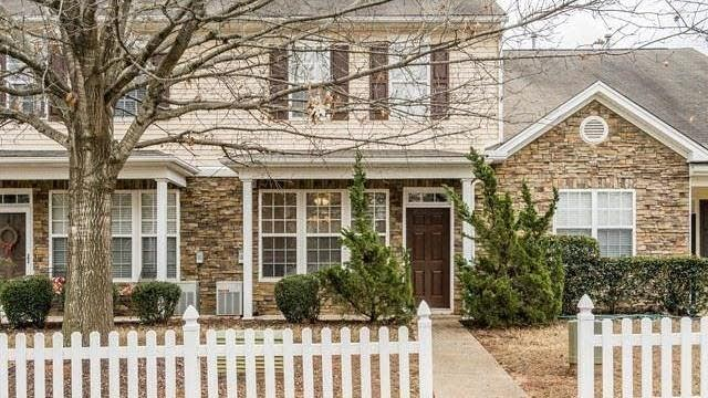 Photo 1 of 22 - 8506 Micollet Ct, Raleigh, NC 27613