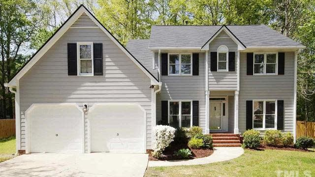 Photo 1 of 27 - 11945 Fairlie Pl, Raleigh, NC 27613