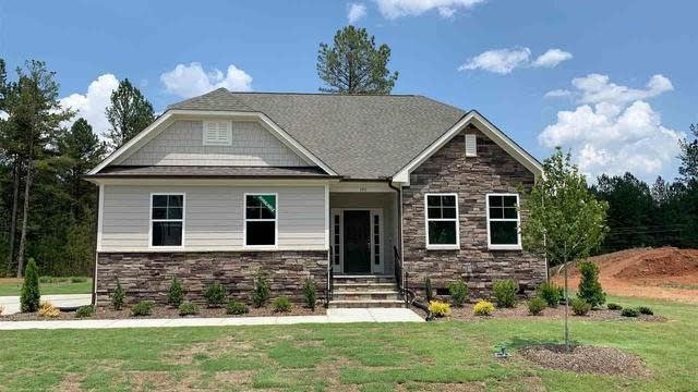 Photo 1 of 17 - 195 Green Haven Blvd, Youngsville, NC 27596
