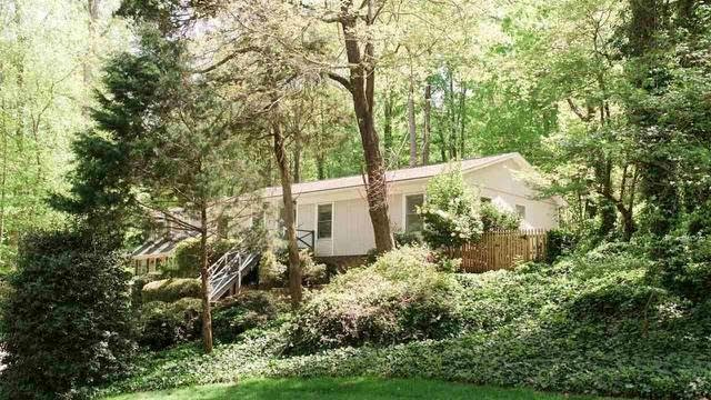 Photo 1 of 30 - 4345 Pickwick Dr, Raleigh, NC 27613