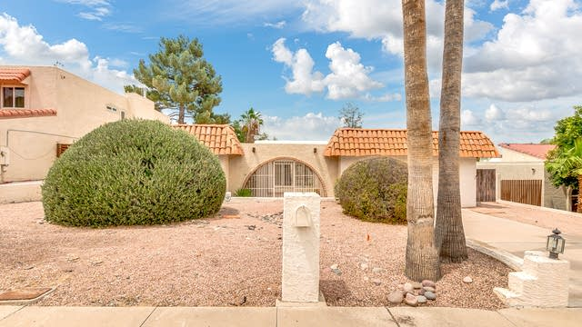Photo 1 of 36 - 2632 E Acoma Dr, Phoenix, AZ 85032