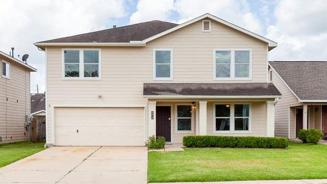 Photo 1 of 17 - 5014 Cottage Creek Ln, Richmond, TX 77469