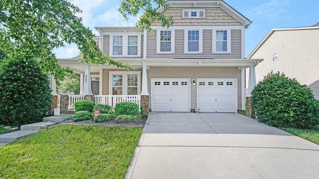 Photo 1 of 18 - 2203 Winding River Dr, Charlotte, NC 28214