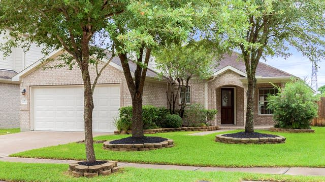 Photo 1 of 17 - 16515 Sperry Gardens Dr, Houston, TX 77095
