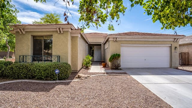 Photo 1 of 37 - 3421 S 73rd Dr, Phoenix, AZ 85043