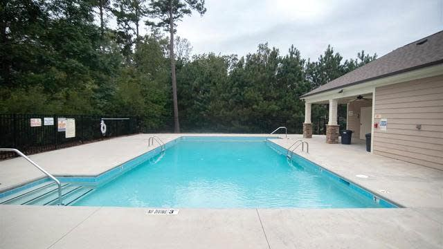 Photo 1 of 30 - 105 Meadowrue Ln, Youngsville, NC 27596