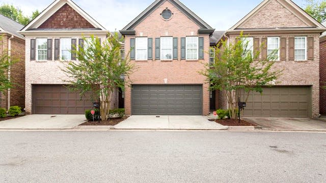 Photo 1 of 19 - 1921 Harrison Park Dr, Atlanta, GA 30341