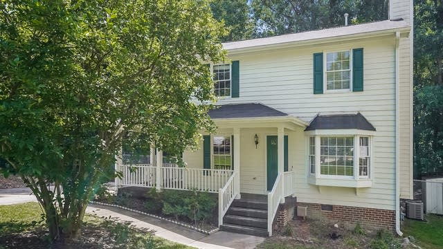 Photo 1 of 25 - 4721 Hunt Manor Ct, Raleigh, NC 27616