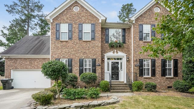 Photo 1 of 25 - 8201 Coosa Ct, Raleigh, NC 27616
