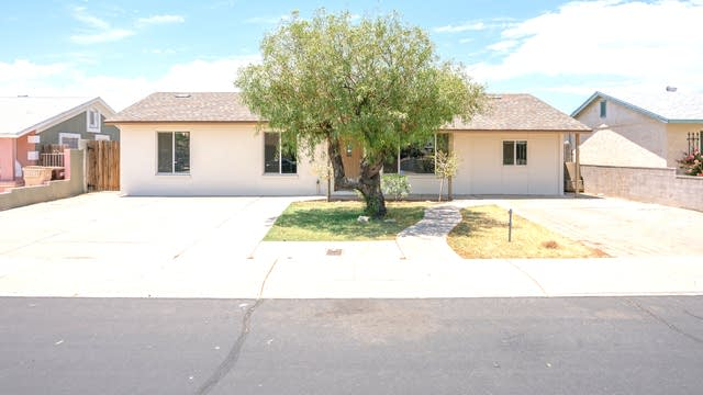 Photo 1 of 18 - 10486 N 73rd Dr, Peoria, AZ 85345