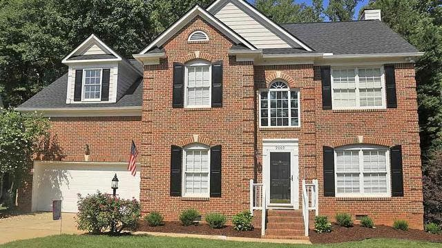 Photo 1 of 24 - 9009 Admaston Dr, Raleigh, NC 27613