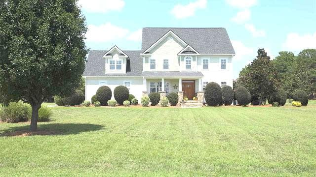 Photo 1 of 28 - 10 Magnolia Ln, Youngsville, NC 27596