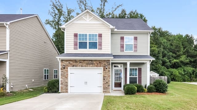 Photo 1 of 25 - 617 Hunters Ridge Dr, Fuquay Varina, NC 27526