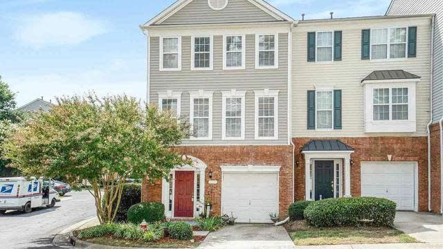 Photo 1 of 20 - 5531 Red Robin Rd, Raleigh, NC 27613