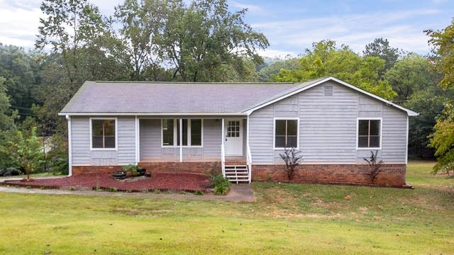 Photo 1 of 30 - 306 Old Farm Rd, Woodstock, GA 30188