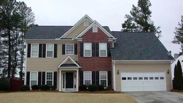 Photo 1 of 20 - 3370 Cascade Fall Dr, Buford, GA 30519