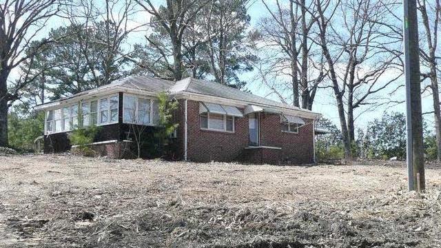 Photo 1 of 3 - 2730 Gravel Springs Rd, Buford, GA 30519