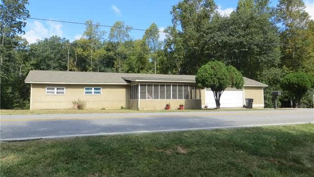 Photo 1 of 38 - 2944 N Bogan Rd, Buford, GA 30519