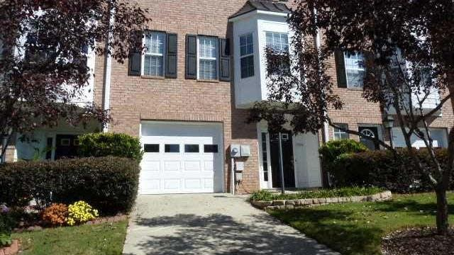 Photo 1 of 16 - 2104 Millgate Ln, Buford, GA 30519