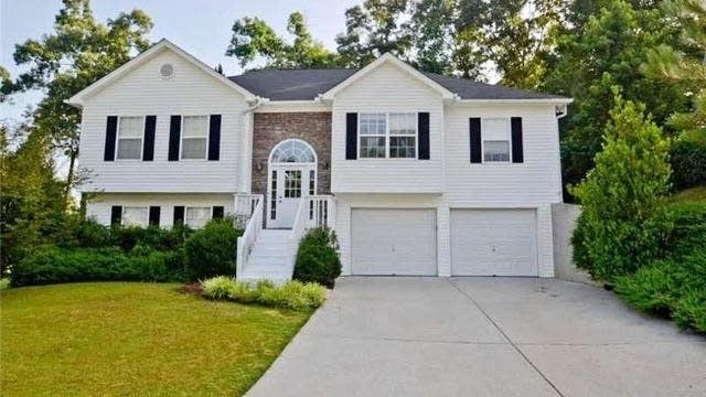 Photo 1 of 25 - 4422 Keenly Valley Dr, Buford, GA 30519